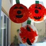 Halloween Craft: Paper Plate Pumpkin Patch