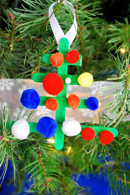 Decorate Christmas Tree Game