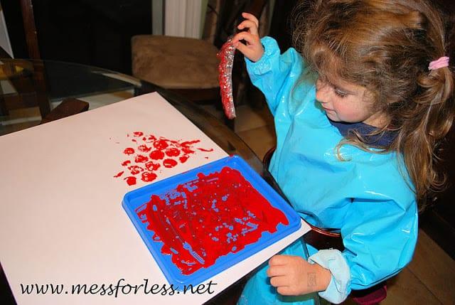 making bubble wrap hearts