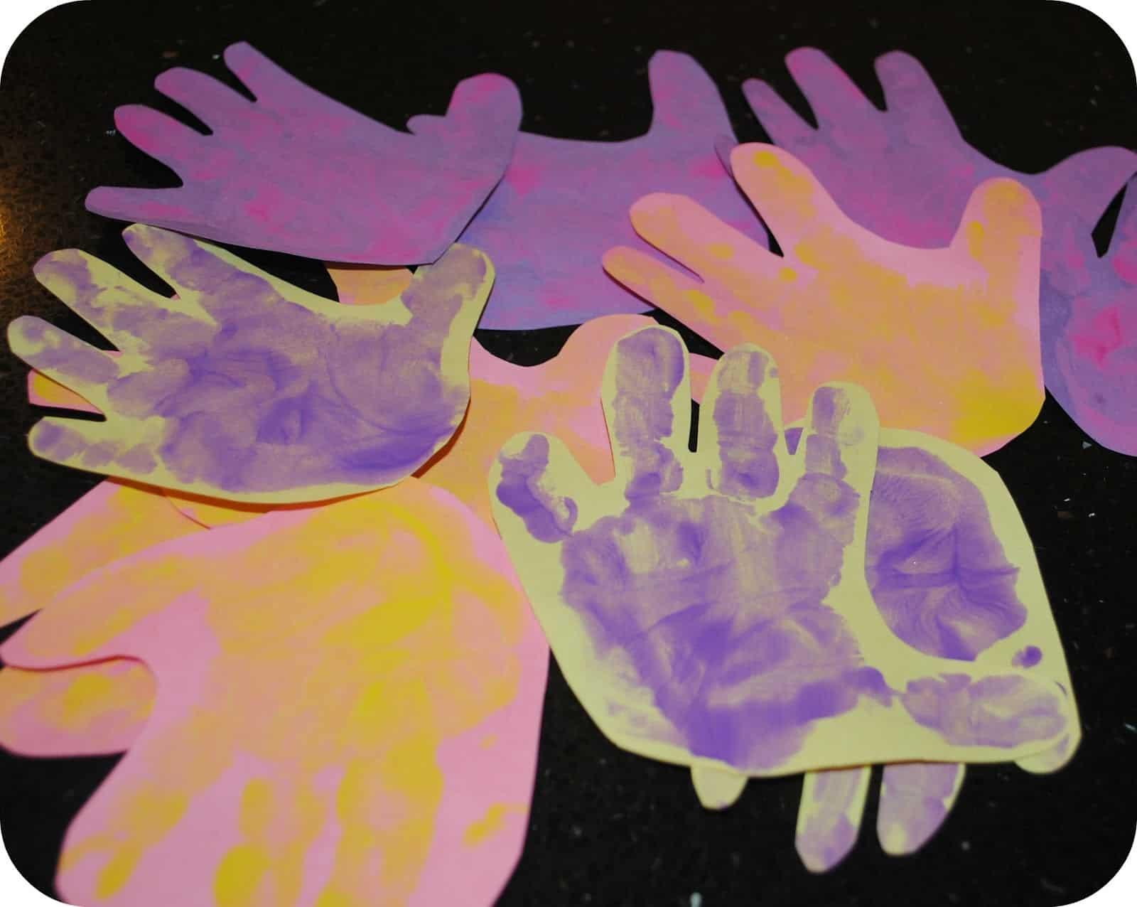 Handprint Flower Craft - Mess for Less