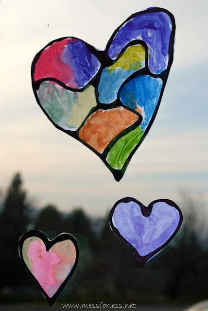 Hearts with Black Glue - Black glue is easy to make and can be used with watercolors to create this eye catching hearts.