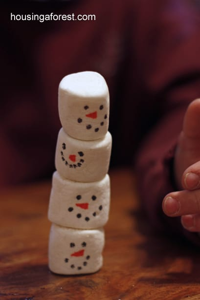 Stacking Snowmen Play