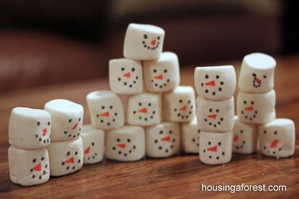 Stacking Snowmen Play