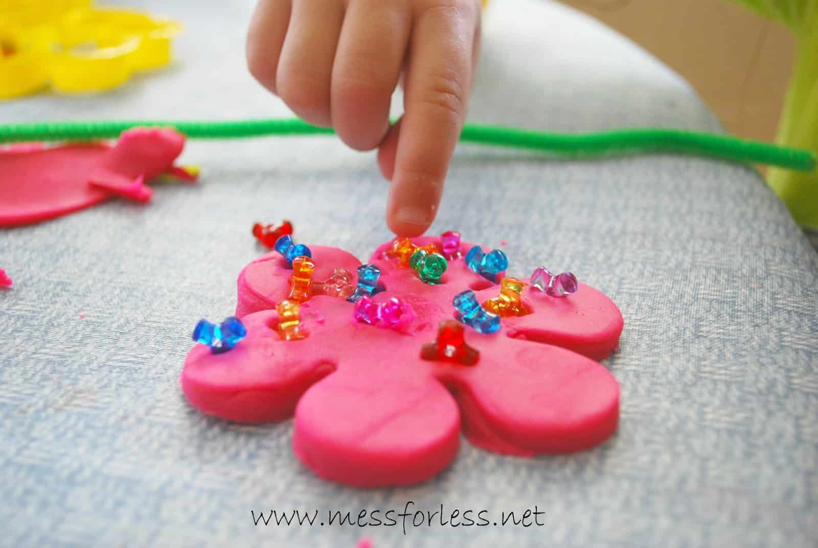 play doh craft ideas playdough mess for less 5219
