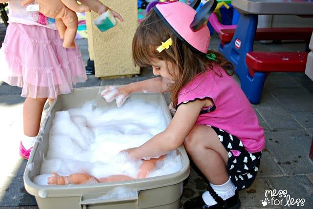 Washing dolls
