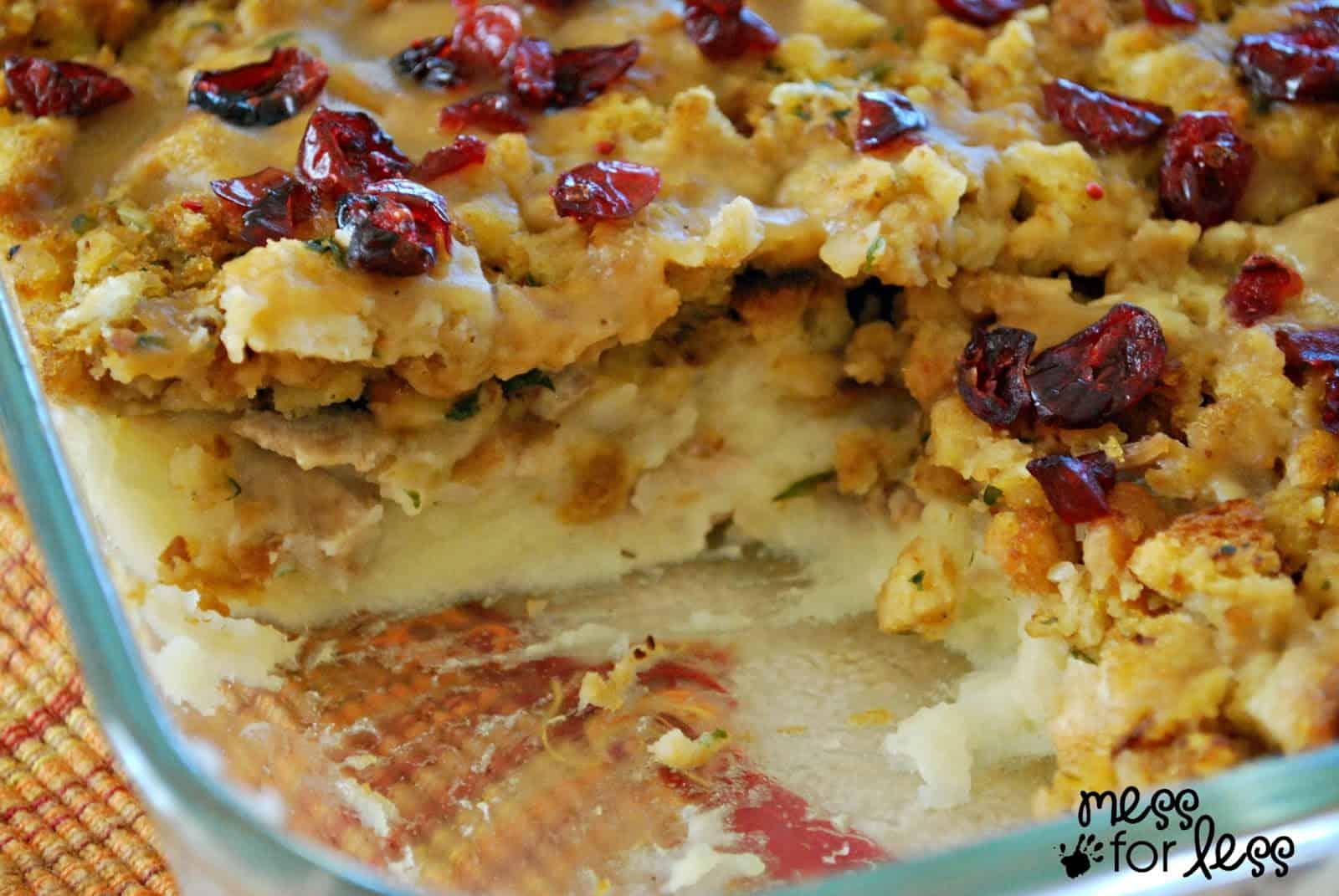 Thanksgiving dinner casserole mess for less for Leftover thanksgiving turkey recipes