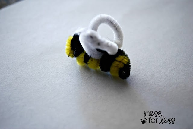 pipe cleaner bumblebee