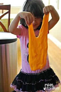 gak -fun sensory play