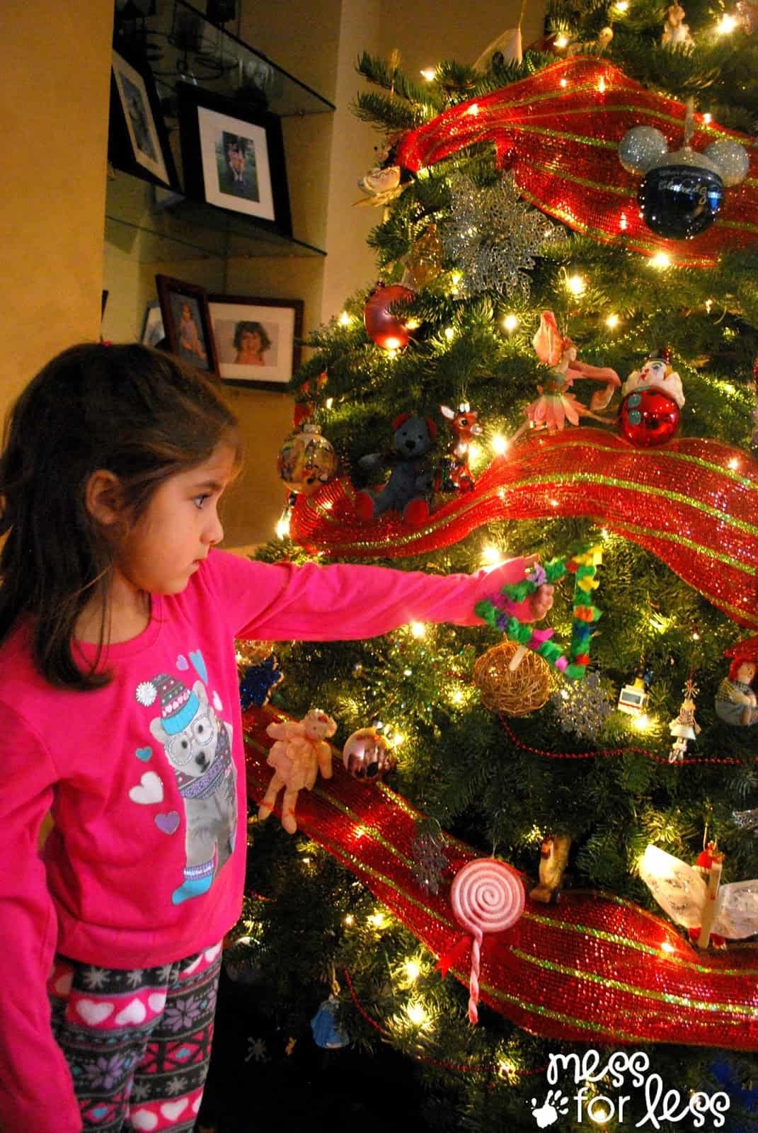 Decorating the tree #shop