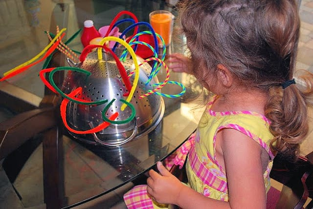 fine motor skills with pipe cleaners