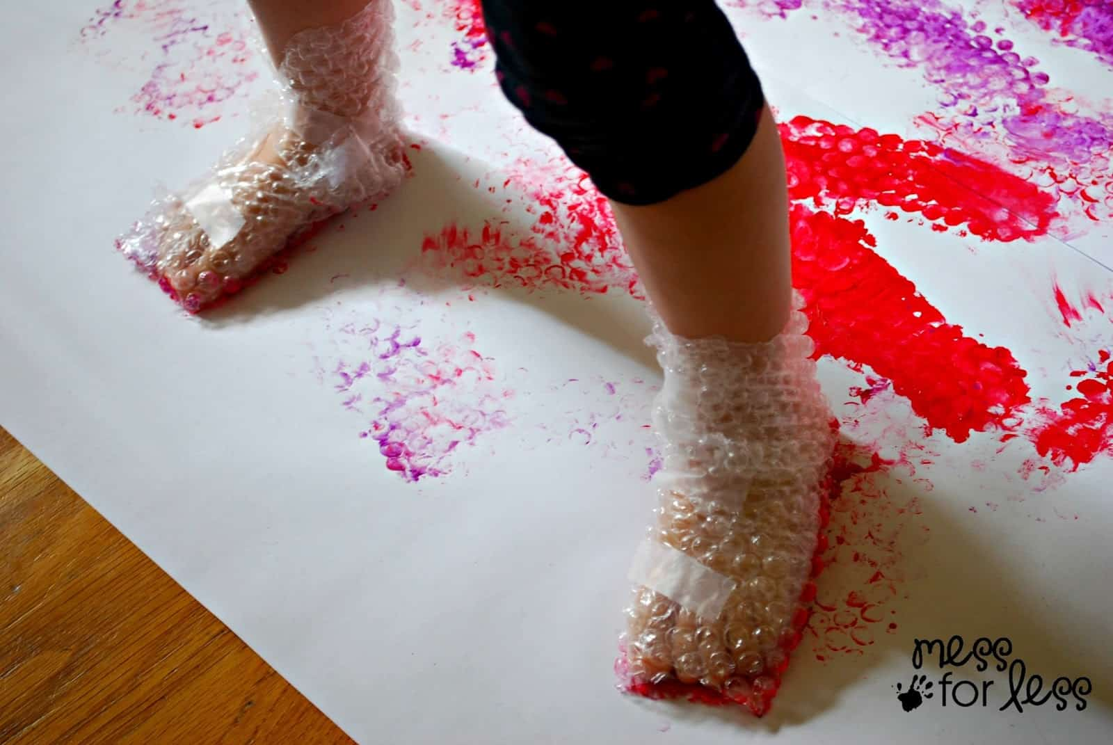 Bubble wrap stomp painting mess for less for Painting projects