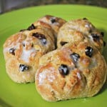 Raisin Buns – Food Fun Friday