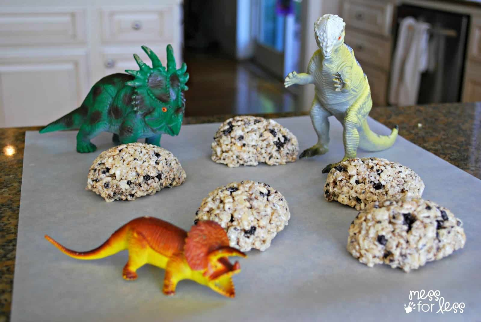 Dinosaur eggs treats