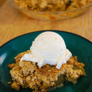 Easy Apple Crisp - Food Fun Friday