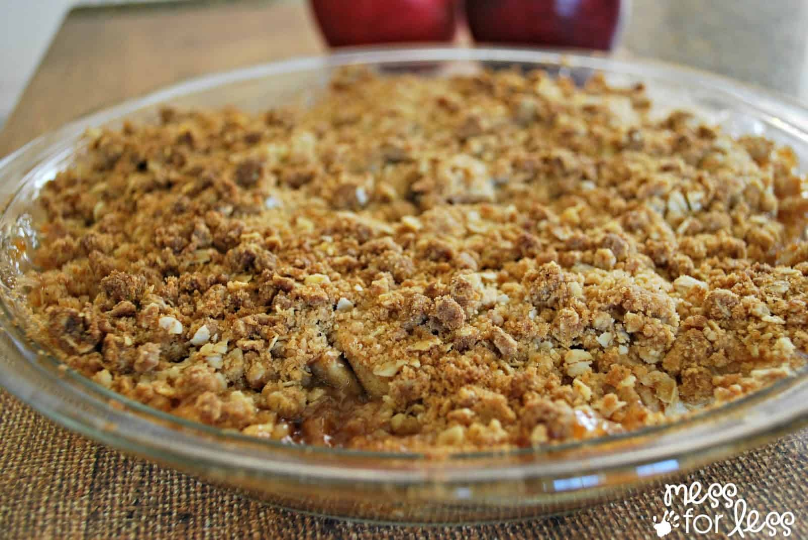 Easy Apple Crisp - Mess for Less