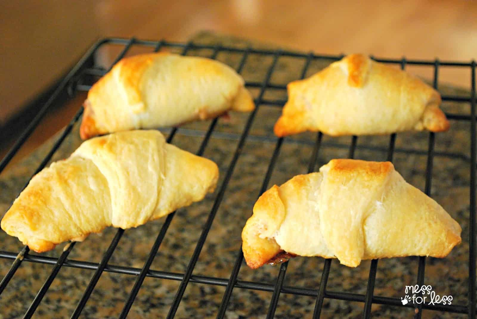 Peanut Butter and Jelly Crescents, see more at http://homemaderecipes.com/course/pastas-bread/16-crescent-roll-recipes/