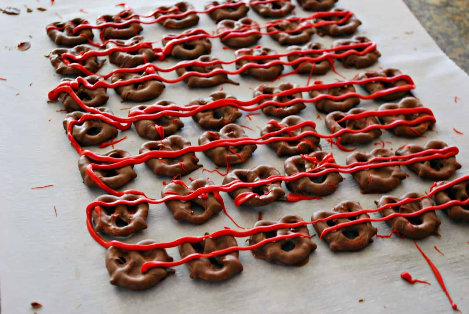 How To Make Chocolate Covered Pretzels For Valentine S Day Mess