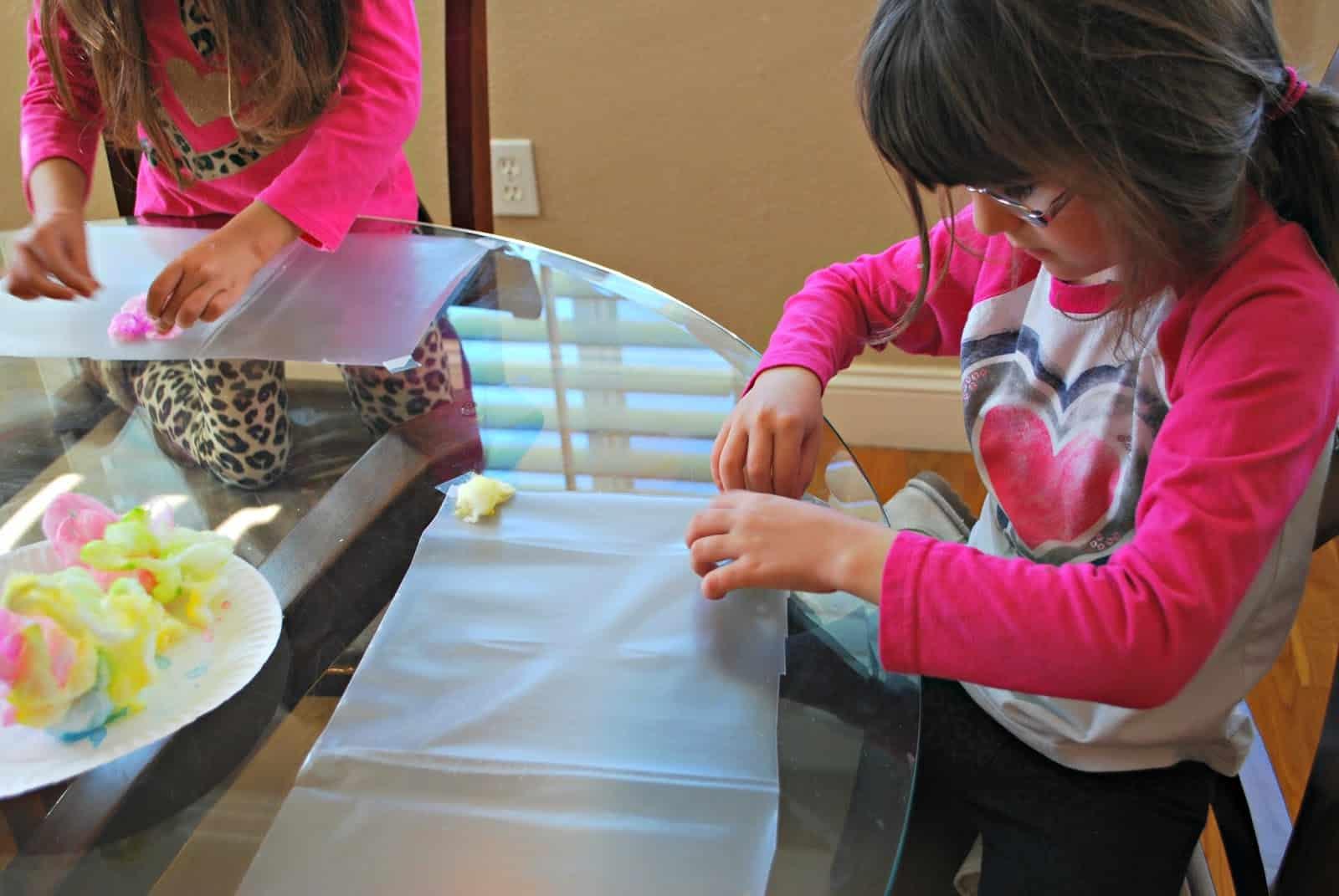 kids making sensory art