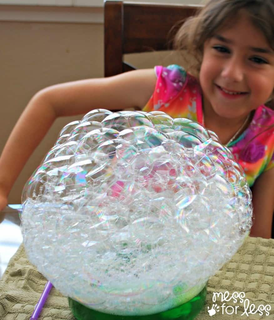 Blowing bubble sculptures