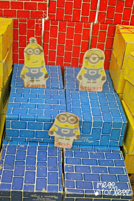 Minion crafts for kids - stick puppets