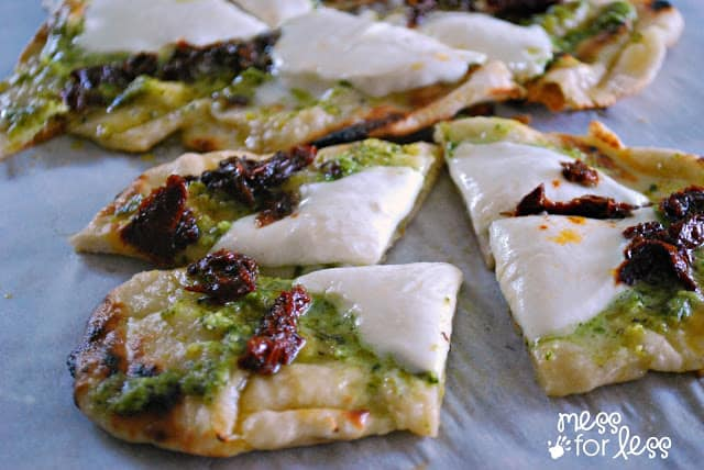Easy Grilled Flatbread Recipe - SO good! #ad #ArtofGrilling