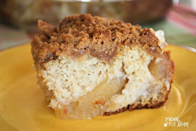 Apple cake recipe with crumb topping. Yum!