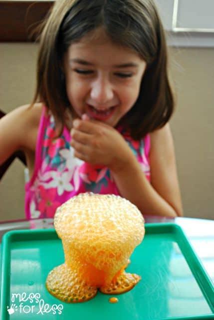 Fizzing Pumpkins Halloween Activity - sure to delight and amaze kids!