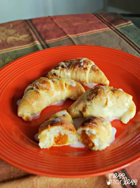 This Pumpkin Pie Crescent Roll Recipe is quick and easy!
