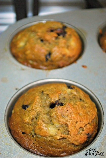 banana bread muffin