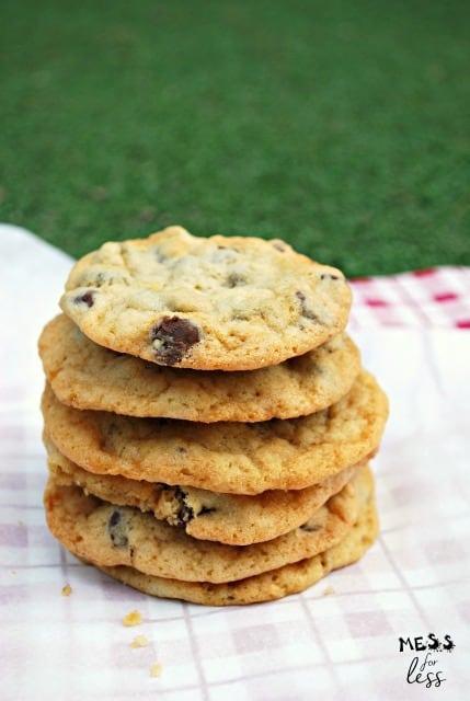 Easy Chocolate Chip Cookies - Mess for Less