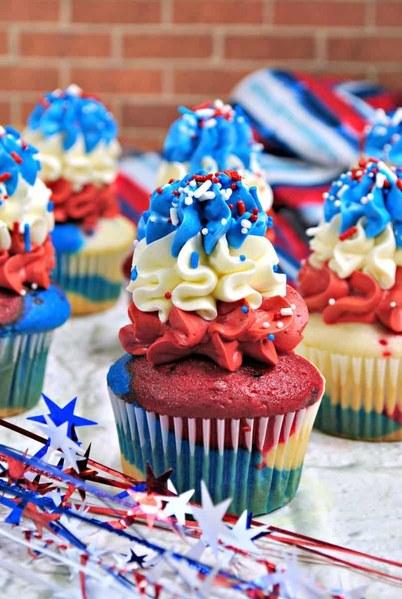 Bomb Pop Patriotic Cupcakes