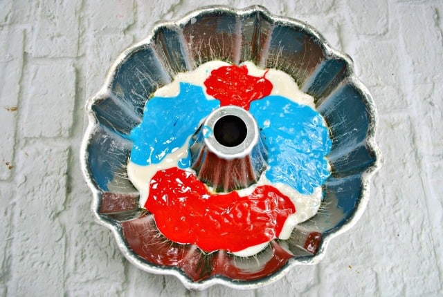 making red white and blue cake in a bundt pan