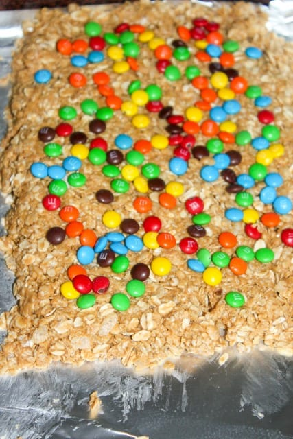 no bake granola bars with m&ms