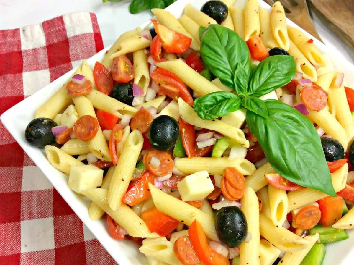 This Weight Watchers Pasta Salad will become one of your favorite Weight Watchers recipes. Easy to make and contains all of your favorite Italian flavors. 7 points per serving.