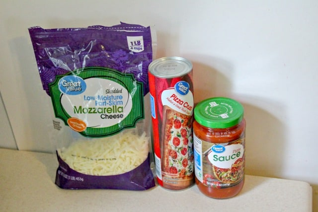 ingredients for easy pizza rolls recipe