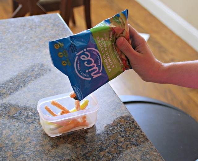 making kids lunch