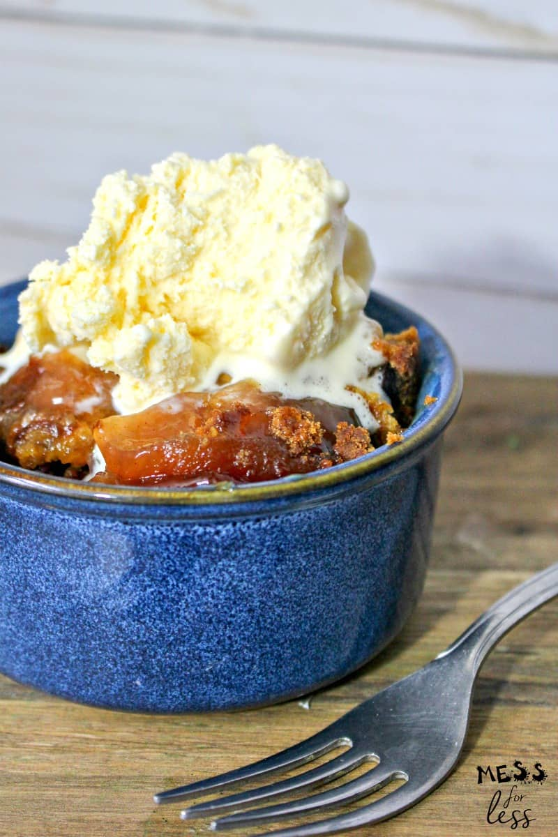 crock pot apple dump cake with ice cream