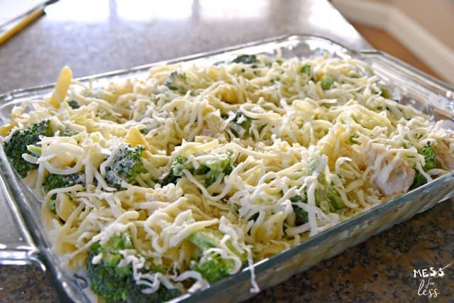 cheesy chicken alfredo with broccoli