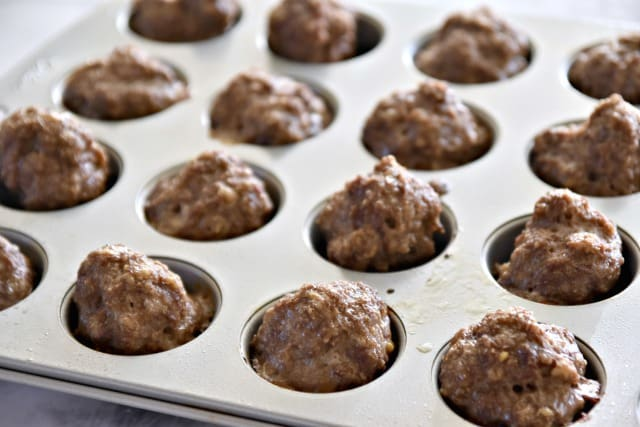 baking meatballs in a muffin tin