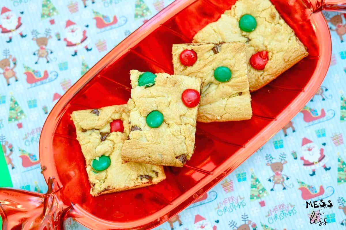 Christmas cookie cake bars