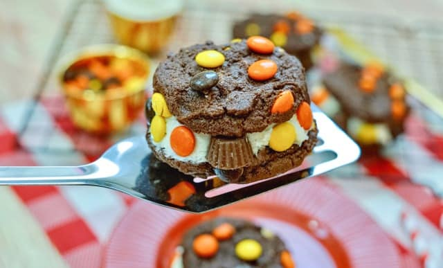 Reese's Cookie Sandwiches