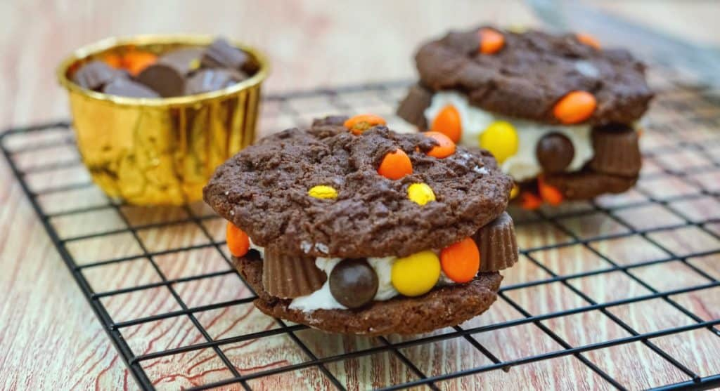 reese's cookie sandwich