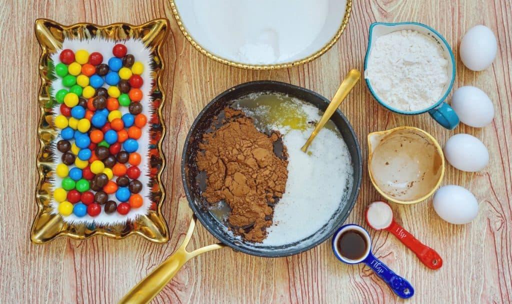 making M&M brownies