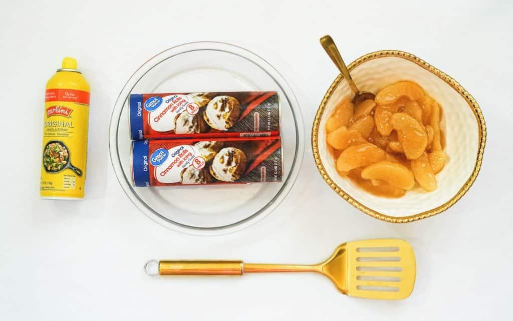 ingredients to make cinnamon roll apple pie