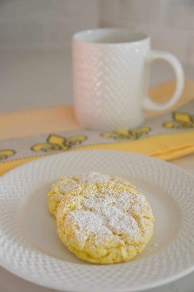 lemon cookies with powdered sugar