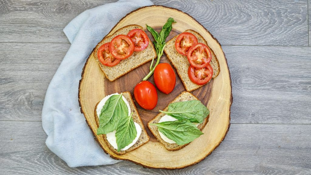 bread with tomatoes, mozzarella and basil